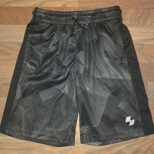 5/$25 🔴 Boys' Black & Silver Active Shorts M 7/8